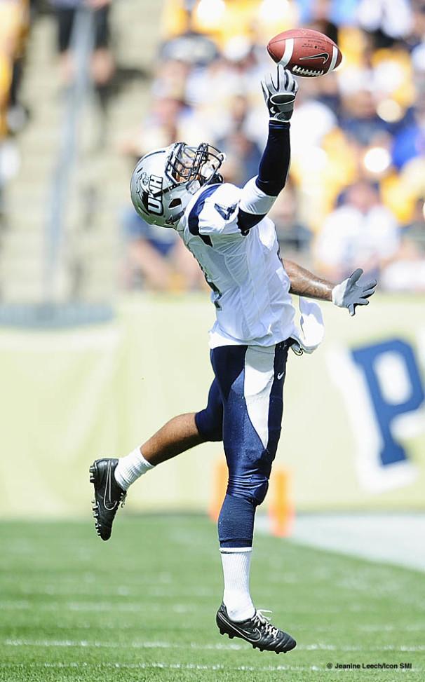 NCAA FOOTBALL: SEP 11 New Hampshire at Pittsburgh