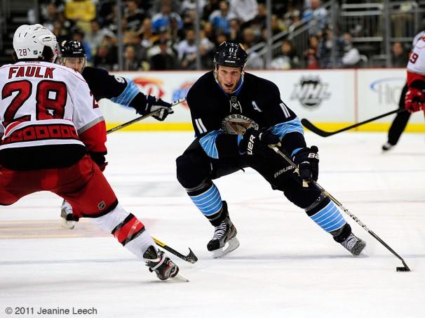 NHL: DEC 27 Hurricanes at Penguins