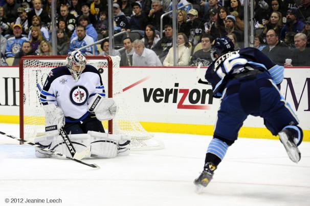 NHL: FEB 11 Jets at Penguins