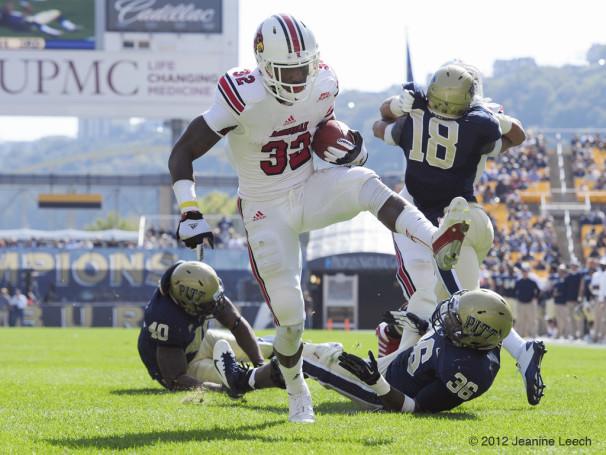 NCAA FOOTBALL: OCT 13 Louisville at Pitt