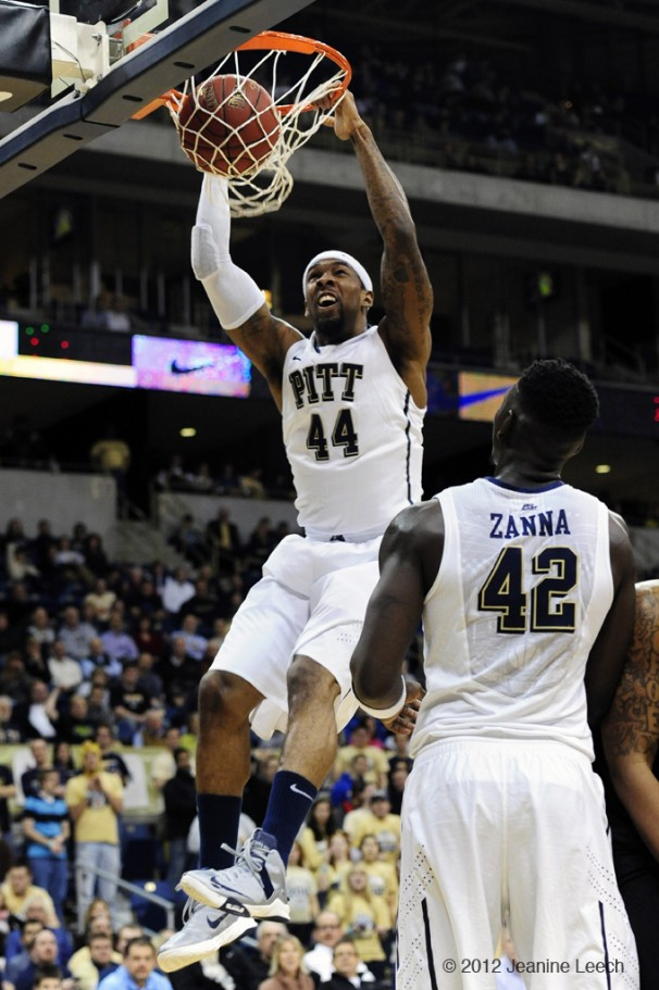 NCAA BASKETBALL: DEC 19 Delaware State at Pitt