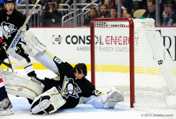 114130207002_Capitals_at_Penguins